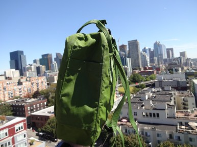 Fjallraven Kanken Mini Leaf Green - Side Pocket