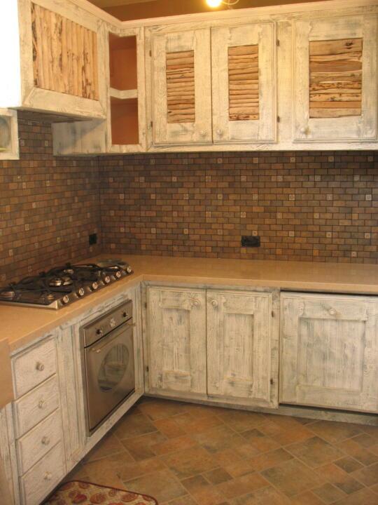 Cucina in legno massello realizzata su misura  Te La Do Io Firenze