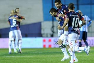 San Lorenzo goleó a Racing en Avellaneda y es puntero