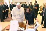 Cristina y el Papa intercambiaron regalos antes del almuerzo