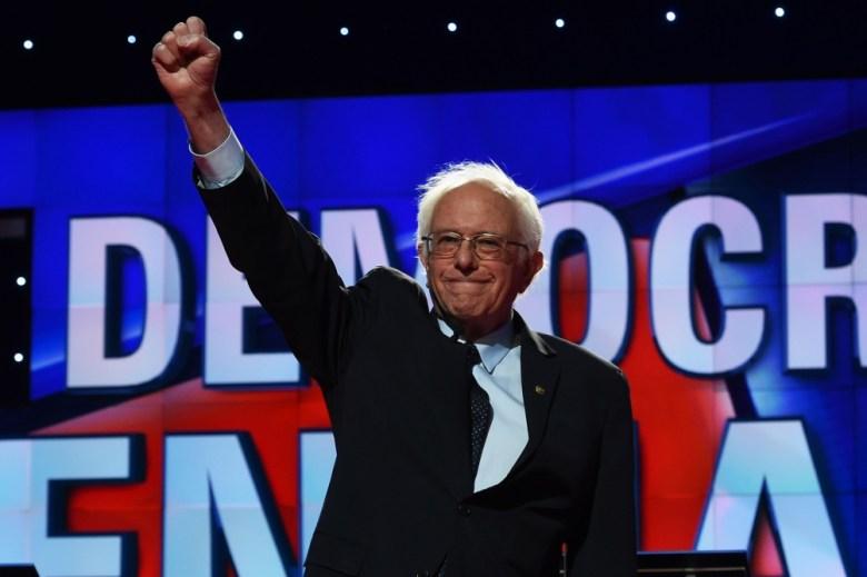 El líder demócrata Bernie Sanders promueve la conformación de una Internacional Progresista.