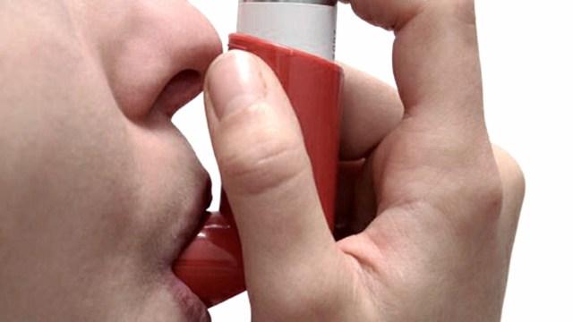 """Cuatro postulados equivocados sobre el asma: que sea una enfermedad """"de la infancia"""", que sea """"infecciosa"""", que solo se puede controlar con altas dosis de corticoides y que los pacientes tengan contraindicada la actividad física."""