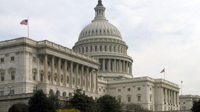 Los demócratas esperan sacar el plan adelante sin apoyo republicano