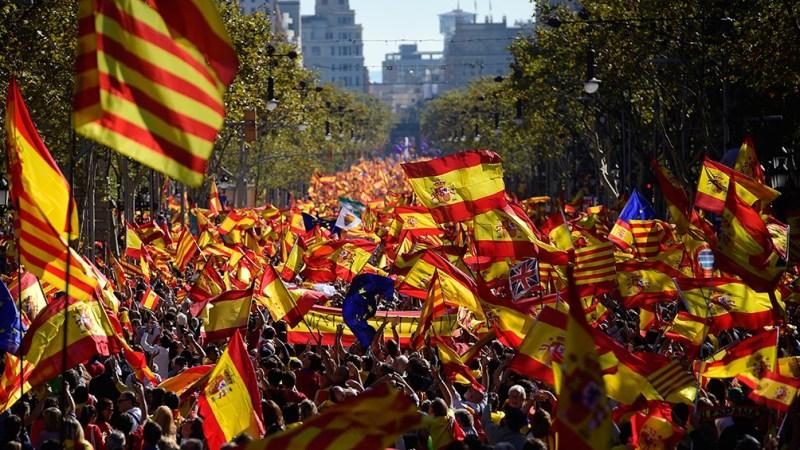Los catalanes reclaman el permiso para la celebración de un referéndum de autodeterminación y la amnistía para los encausados por participar del desafío secesionista de 2017.