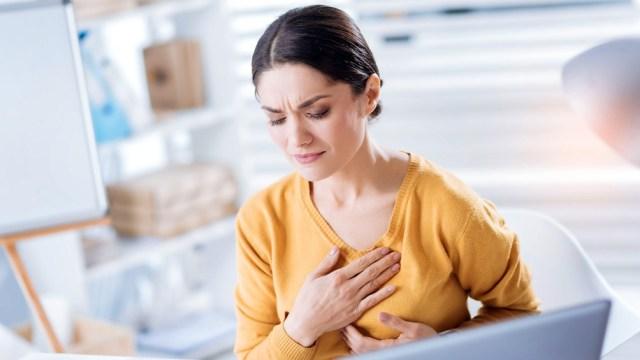 El paciente debe recibir un seguimiento más estrecho que incluye una rehabilitación cardiopulmonar, y control profesional.