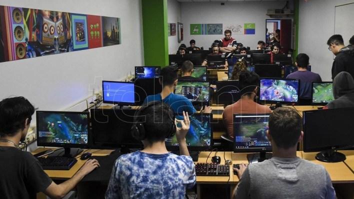 Unos  3.1 mil millones de personas en el mundo son usuarios de videojuegos.