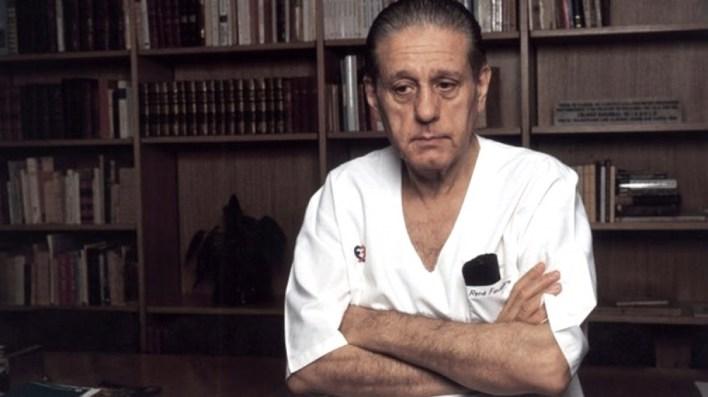 Una serie argentina recorrerá la vida de René Favaloro.