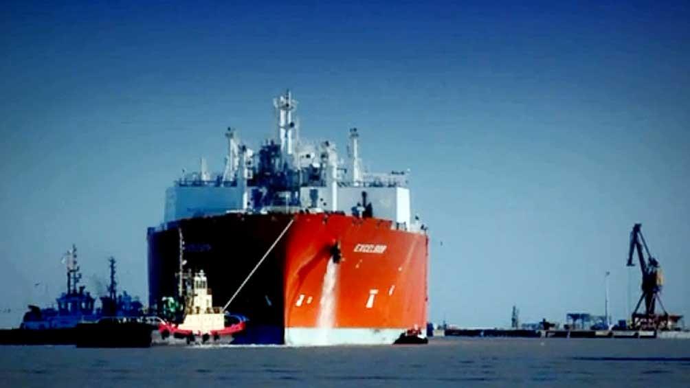 Actualmente hay un buque regasificador inyectando gas al sistema desde la localidad de Escobar, el nuevo estará en Bahía Blanca.