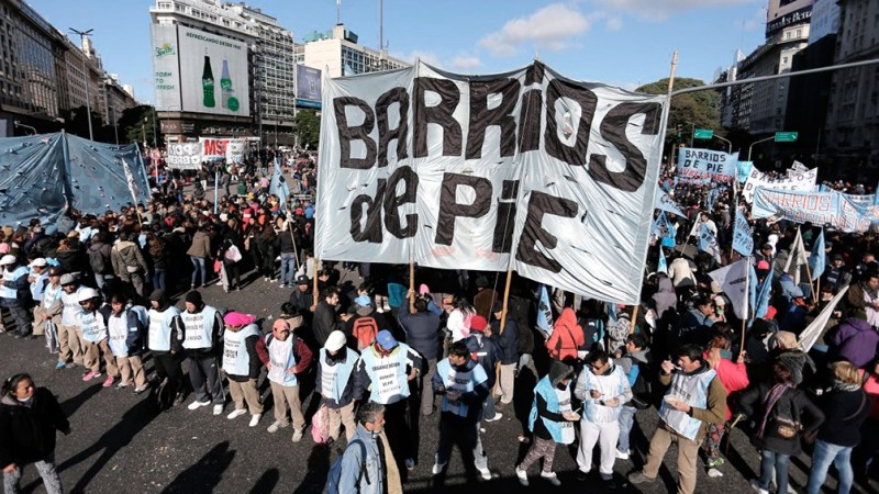 Las protestas tuvieron su epicentro en la avenida 9 de Julio.
