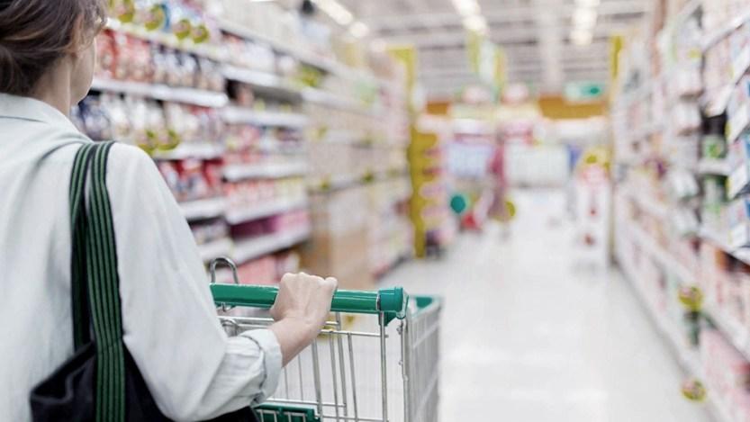 Las ventas en supermercados bajaron 1,1% interanual en noviembre - Télam - Agencia Nacional de Noticias