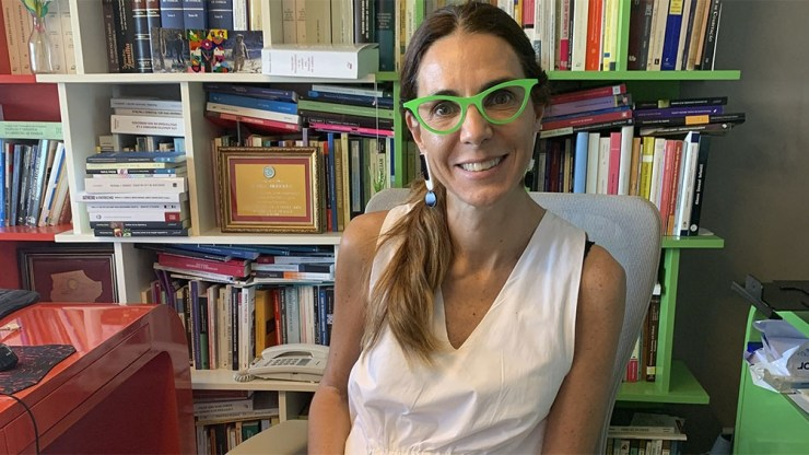 """Marisa Herrera, abogada especialista en Derecho de Familia, sostiene que hablar de una justicia con perspectiva en infancia es """"básicamente hablar de los derechos humanos""""."""
