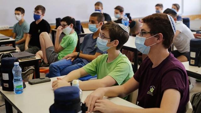 Israel decidió mayores restricciones para controlar el crecimiento de los casos de temida variante Delta del coronavirus.