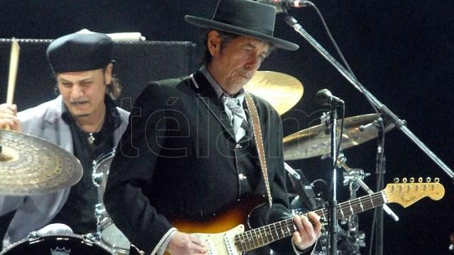 """Bob Dylan escribió clásicos del cancionero popular como """"Blowing in the Wind"""", """"Like a Rolling Stone"""", """"Mr. Tambourine Man""""."""