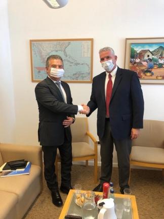 El embajador con Modi Ephraim