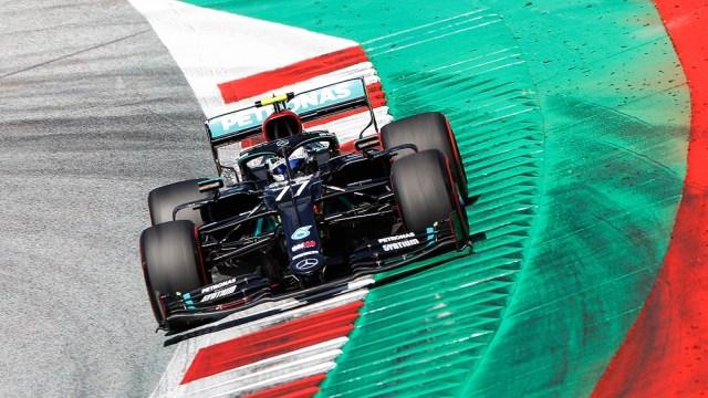 """Bottas, a bordo de su Mercedes, buscará quitarle la """"pole"""" a Hamilton, quien parece imbatible (foto archivo)"""