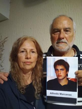 Adrián Marcenac y Mónica Bouyssede, los padres de la víctima.
