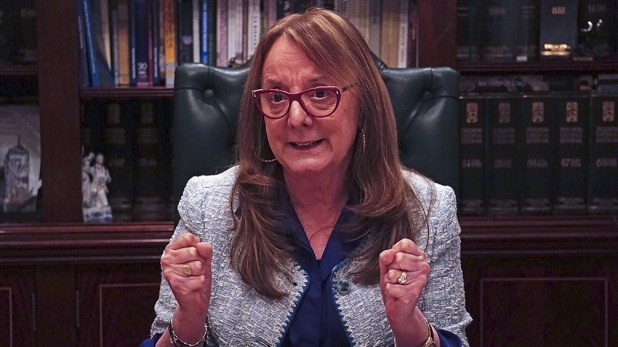 La gobernadora Alicia Kirchner es una de las dirigentes que contrajo coronavirus.