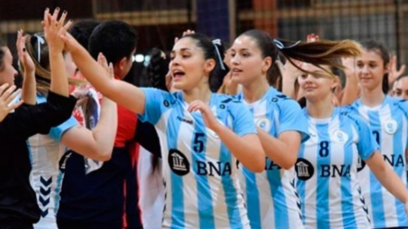 La Selección Nacional femenina. Varias jugadoras tomaron parte del éxodo.
