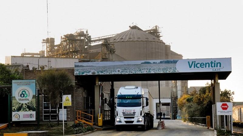 La AFIP acusa a la cerealera de usar facturas apócrifas para obtener beneficios fiscales.