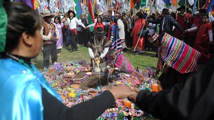 La tradición se extiende desde el noroeste argentino hasta los valles y montañas de Bolivia, Perú, Colombia y Ecuador.
