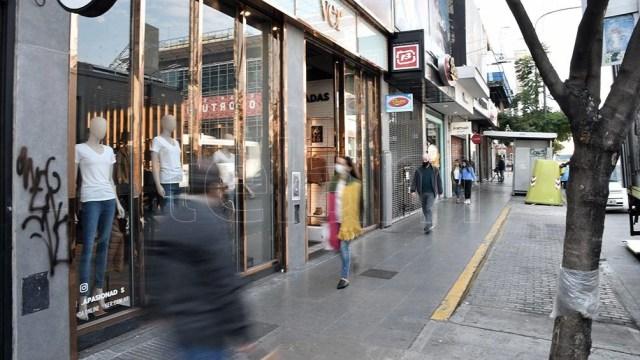 En Tucumán con los horarios del comercio buscarán reducir el uso del transporte público.