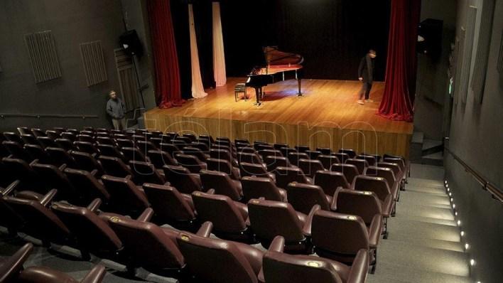 Dentro de las actividades y objetivos musicales del Teatro está la promoción de artistas jóvenes.