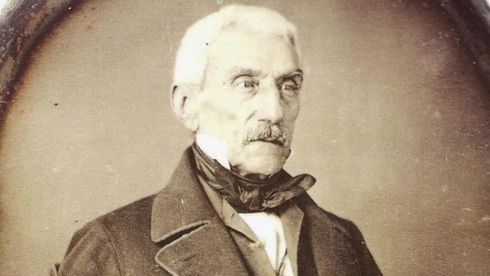El único retrato de San Martín. Es un daguerrotipo que se tomó en París en 1848. Está en el Museo Histórico Nacional.