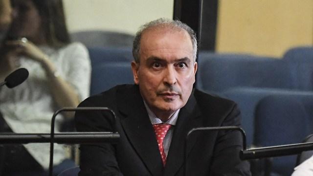 Los jueces del TOF 1 le impusieron a López la prohibición del país.