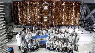 Se contempla la reactivación del Plan Satelital Argentino, con una inversión de 37.900 millones.