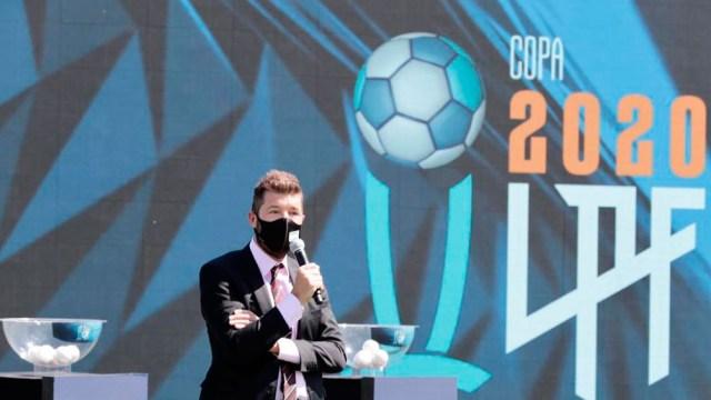 Tinelli también ejerce la presidencia de la Liga Profesional de Fútbol, puesto que mantendrá en ejercicio a diferencia de lo decidido en San Lorenzo.