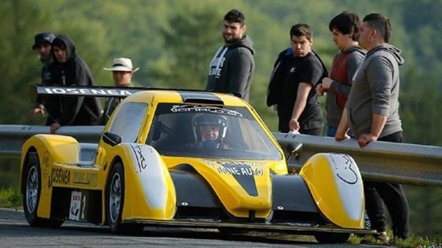 El piloto manejaba un modelo Tracking RC 01, vehículo que estrenaba en esta prueba.