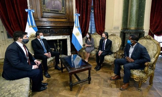 La Argentina buscará renegociar un programa con el Fondo por al menos 43.900 millones de dólares.