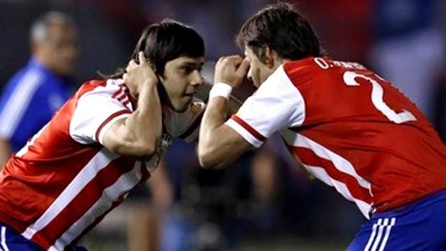 """Los hermanos Romero, dos de las figuras del seleccionado """"albirrojo"""" que intentará llegar a instancias finales en Brasil (foto archivo)"""