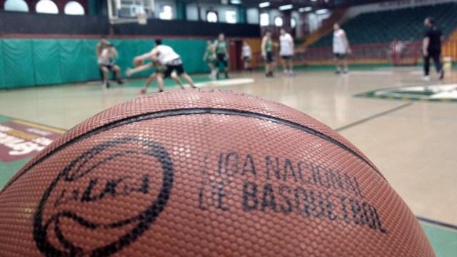 En Obras Basket dieron positivo el alero Luca Valussi y el ala pivote Francisco Barbotti mientras que en Gimnasia de Comorodo Rivadavia elafectado es el alero Sebastián Vega.