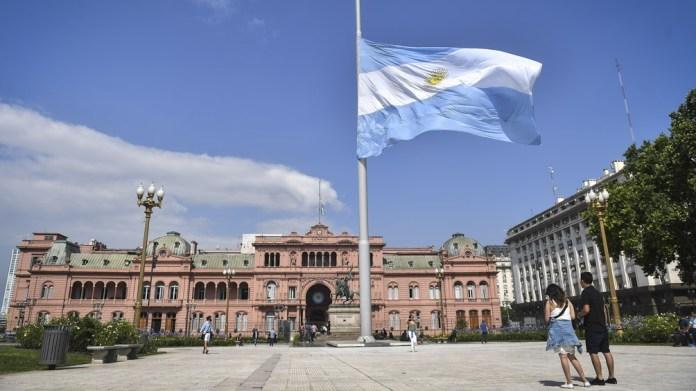 En Casa Rosada comenzaron los preparativos para acondicionar los salones de la histórica sede del Gobierno Nacional.