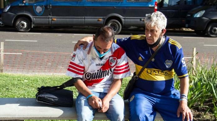 El Diego hizo lo imposible desde el amor: unió a Boca y a River.