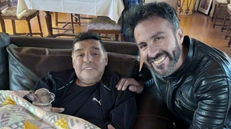 El neurocirujano Leopoldo Luque y otras seis personas están en la mira por la muerte del futbolista.