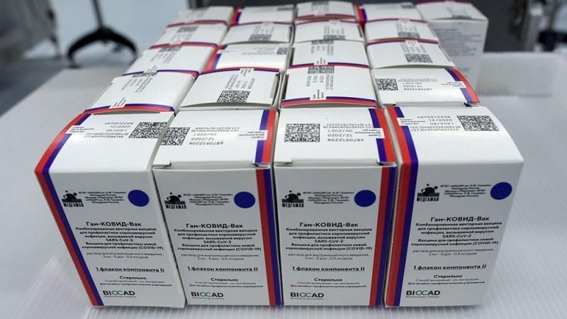 """La comitiva está """"trabajando en Rusia y haciendo las evaluaciones de la producción que trabajan en la cadena de la fabricación de la vacuna"""", dijo Costa."""