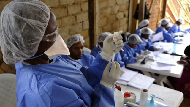 """""""Estamos del lado de la gente excluida del proceso de vacunación, que es la gran mayoría de la población del mundo""""."""