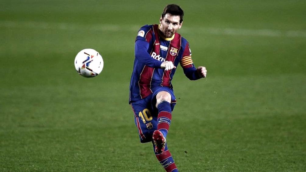 Messi va por su título 25 en el fútbol español con la camiseta del Barcelona.