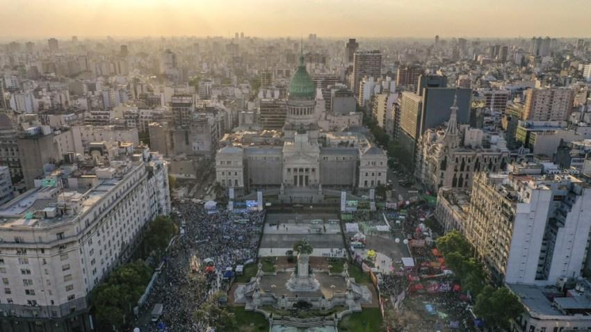 Argentina renovará casi la mitad de los diputados y un tercio de los senadores