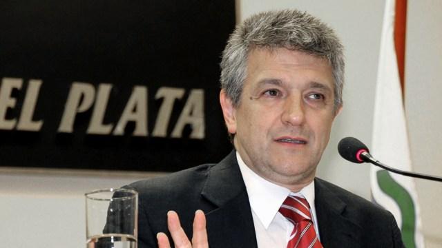 """""""Nadie podía aumentar sin autorización del Enacom y se establecía la prestación básica universal para garantizar el derecho a las comunicaciones"""", concluyó López."""