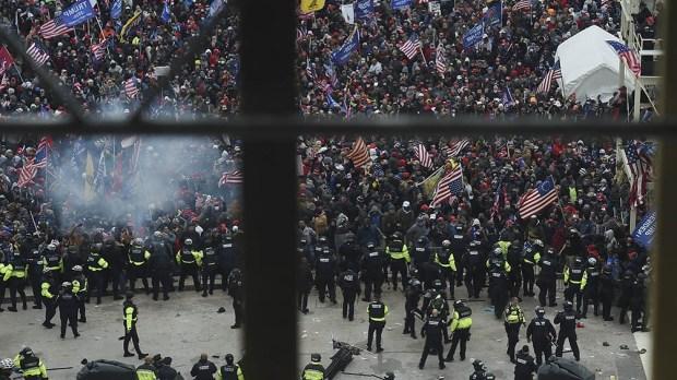 Trump sigue sin reconocer su derrota y alentó las protestas en contra de la certificación del triunfo demócrata.