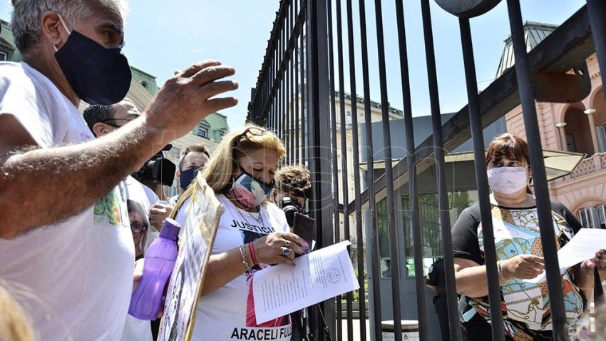 Familiares de víctimas de femicidios se concentraron en la Plaza de Mayo.