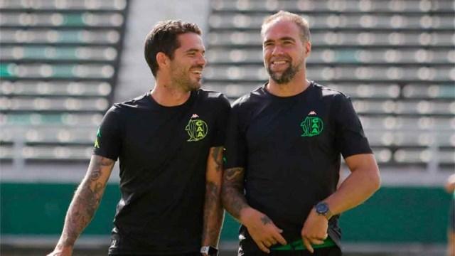 Gago e Insúa contentos por la llegada de dos nuevos refuerzos de jerarquía (foto: @clubaldosivi)
