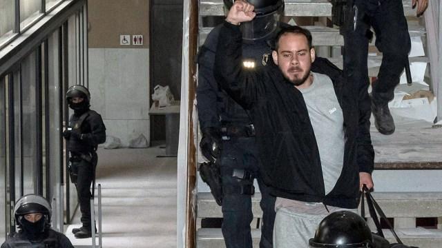 Pablo Hasel fue detenido para cumplir una pena de 9 meses de prisión