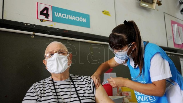 El documento permitirá certificar la vacunación