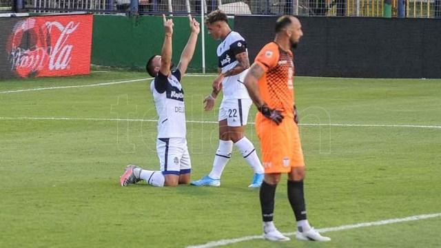 Weigandt abrió el marcador en La Plata ante Talleres