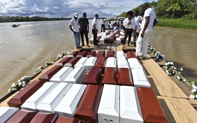 este mes la Alta Comisionada de la ONU para los Derechos Humanos en Colombia, Juliette de Rivero, le pidió al Estado colombiano que tome responsabilidad por los crímenes.