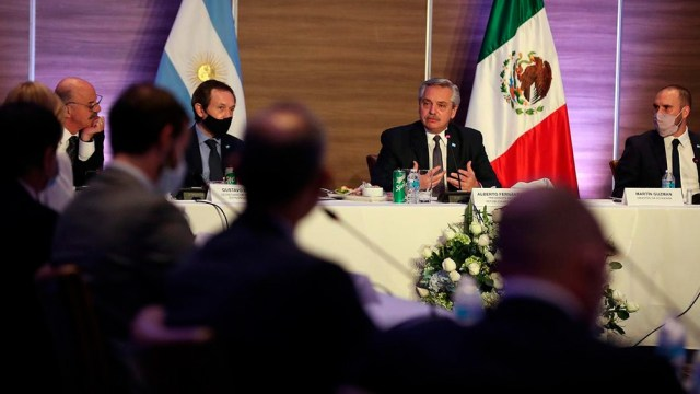 La reunión de Fernández y funcionarios argentinos con empresarios en México.